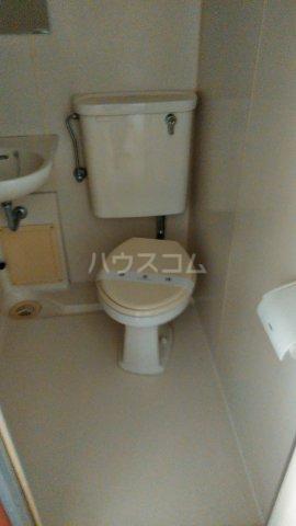ハウスパフューム 101号室のトイレ