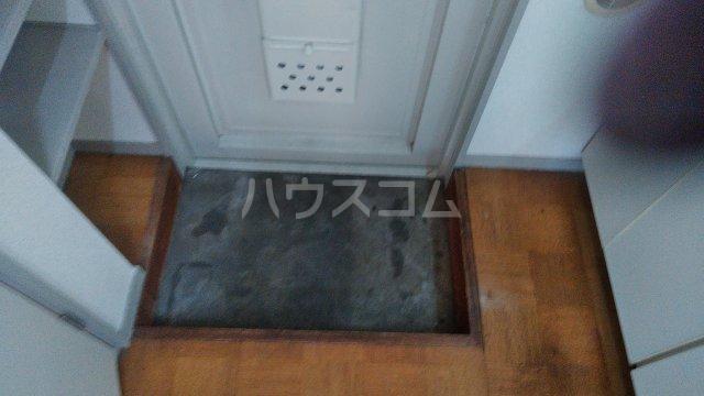 レスポワール 302号室の玄関