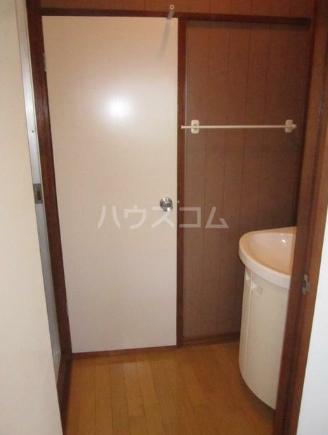 第三コーポ H号室の洗面所
