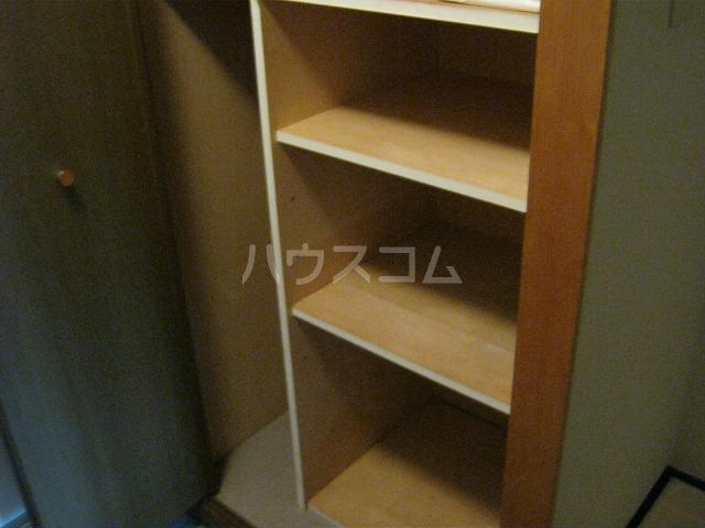 ライオンズテラス武蔵小金井 308号室の収納