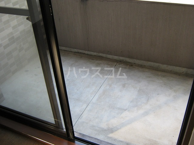 ライオンズテラス武蔵小金井 308号室のバルコニー