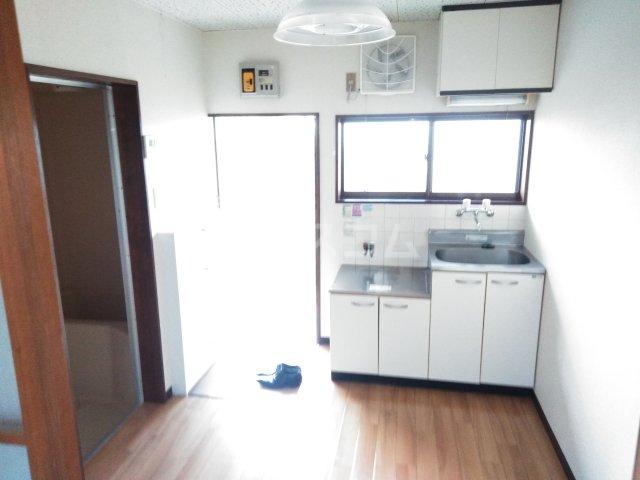 美塚コーポ 201号室のキッチン