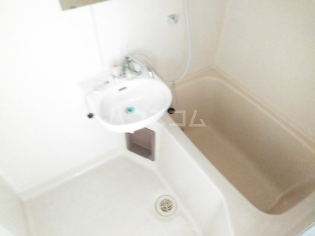 美塚コーポ 201号室の風呂