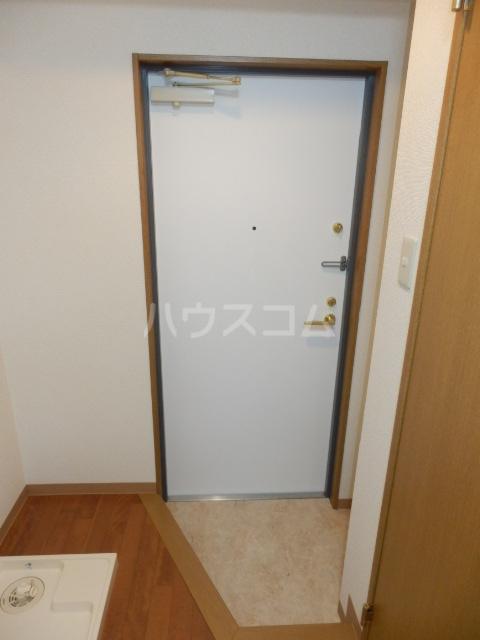 プリムヴェールハイム 306号室の玄関