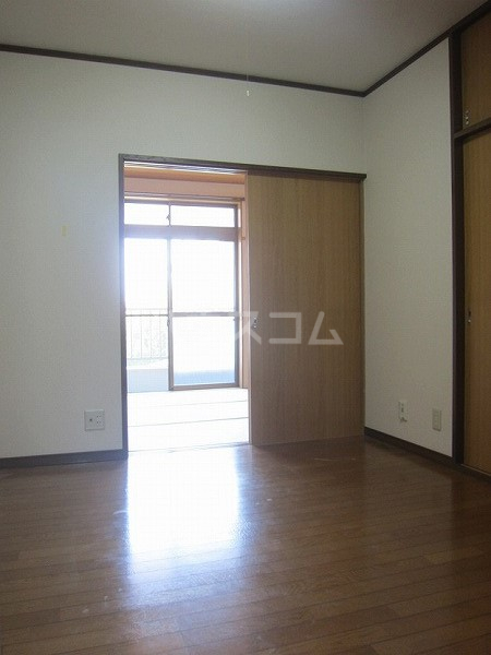 熊倉ハイツ 204号室のリビング