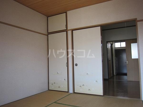 熊倉ハイツ 204号室の居室