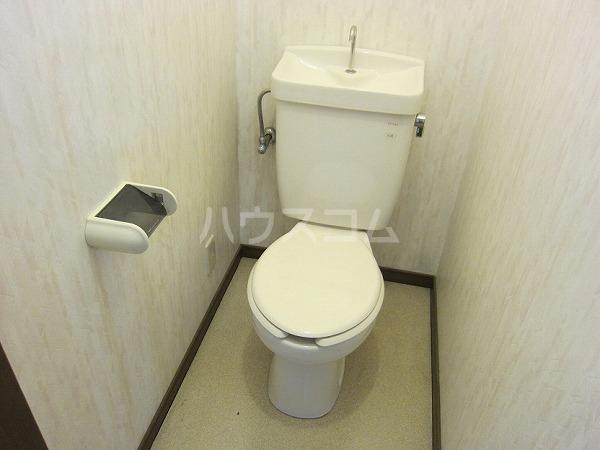 熊倉ハイツ 204号室のトイレ