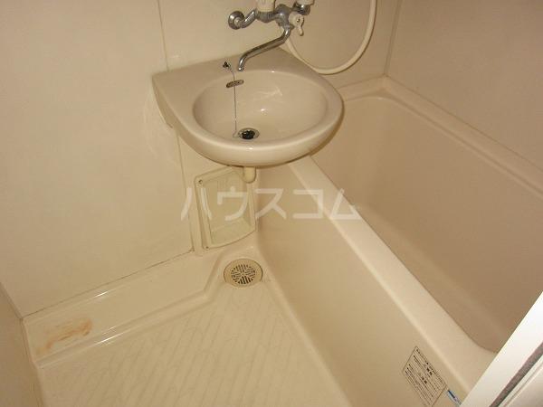 間橋ビル 202号室の風呂