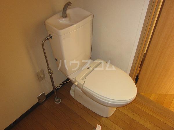 間橋ビル 202号室のトイレ