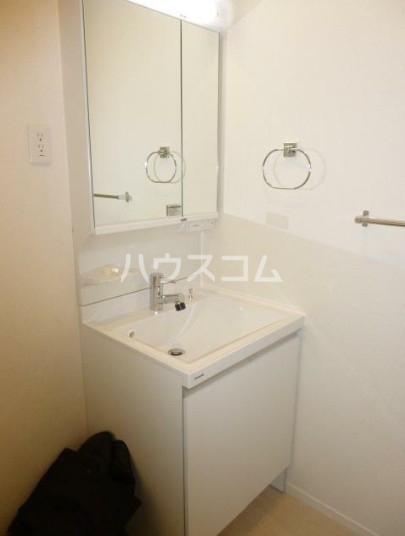 フィカーサ新高円寺 101号室の洗面所