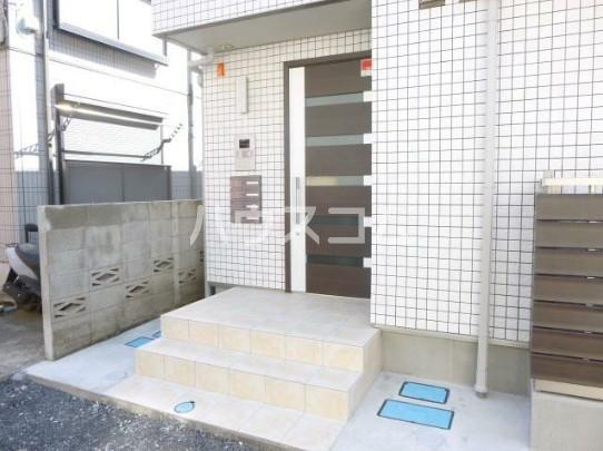 フィカーサ新高円寺 101号室のエントランス