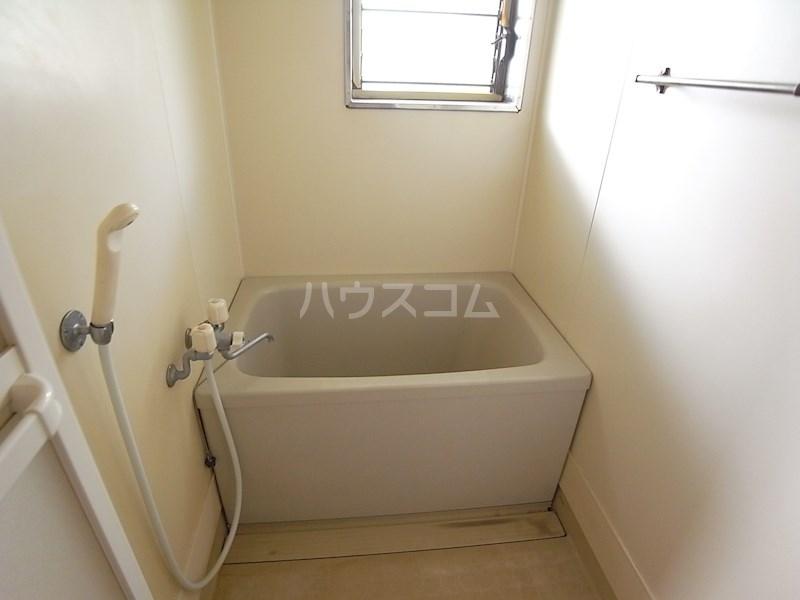 スタシオン上島 A 102号室の風呂