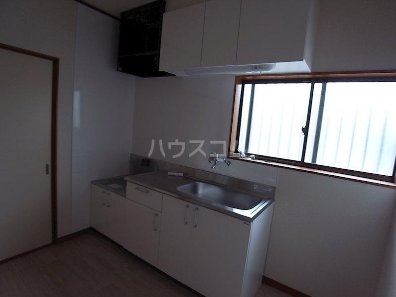 スタシオン上島 A 102号室のキッチン
