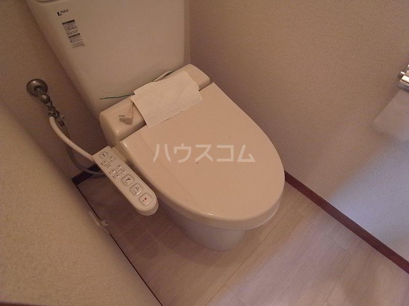 スタシオン上島 A 102号室のトイレ