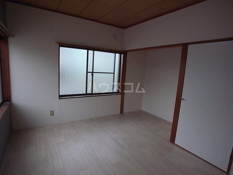 スタシオン上島 A 102号室のベッドルーム