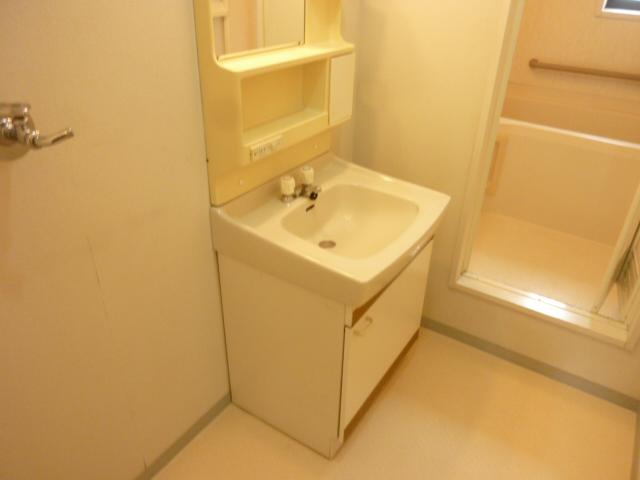 リヴレット玉川B棟 101号室のトイレ