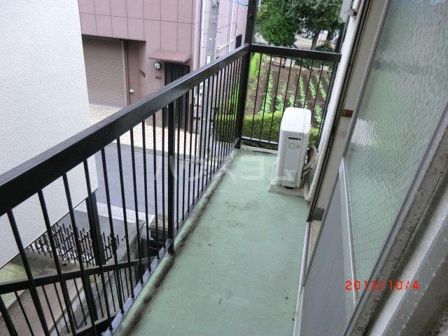 佐久間荘 203号室のバルコニー