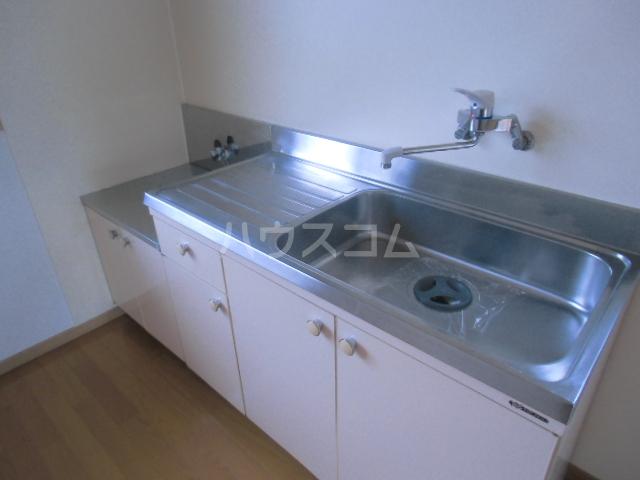 ルーエンハイム 102号室のキッチン