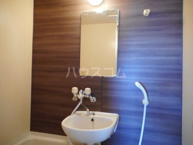 ラベンダータウン B棟 3-A号室の洗面所