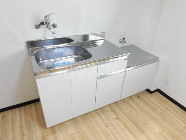 ラベンダータウンA 1-C号室のキッチン