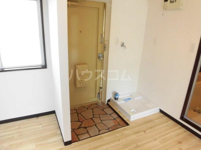 ラベンダータウンA 1-C号室の玄関
