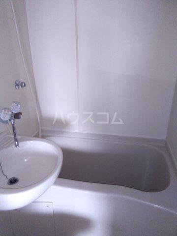 メゾン・ド・エピック 203号室の風呂
