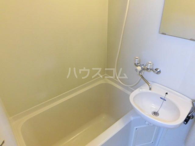 ブルースカイ 103号室の風呂