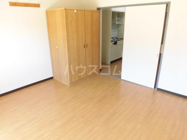 ブルースカイ 103号室の居室