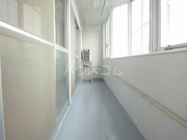 グランドコーポラス 305号室のバルコニー