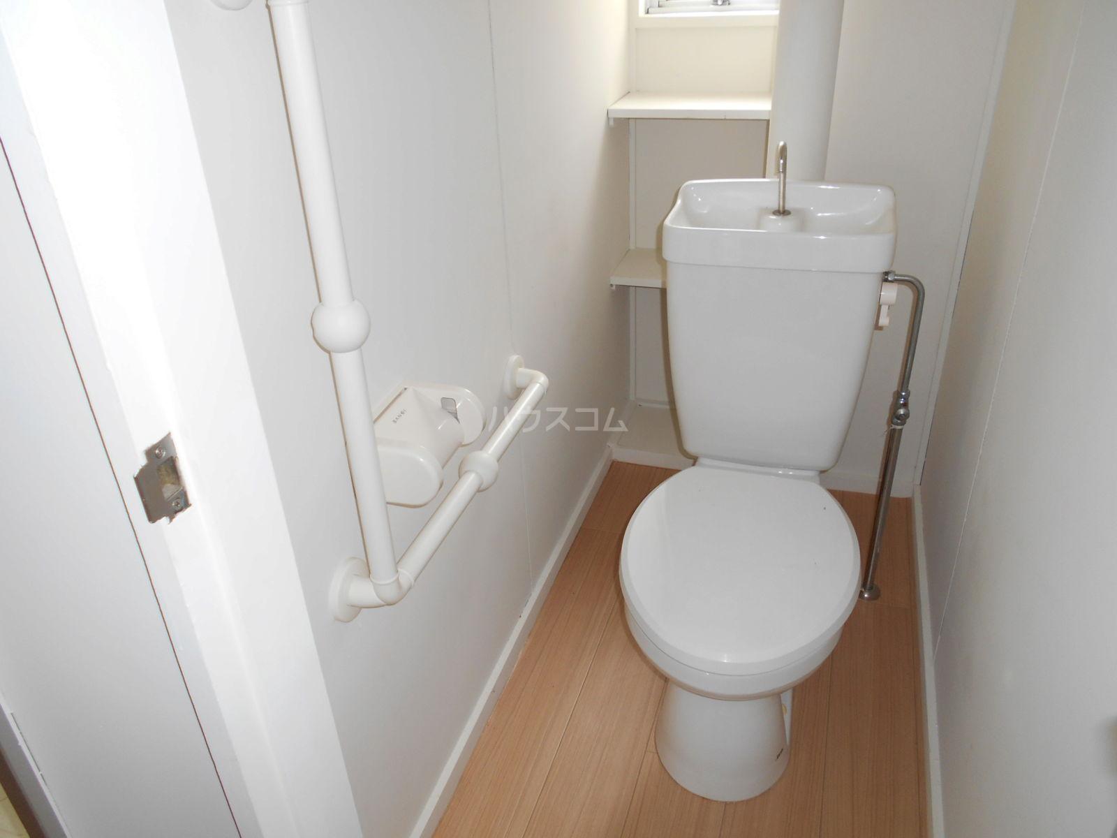 ビレッジハウス大東中2号棟 102号室のトイレ