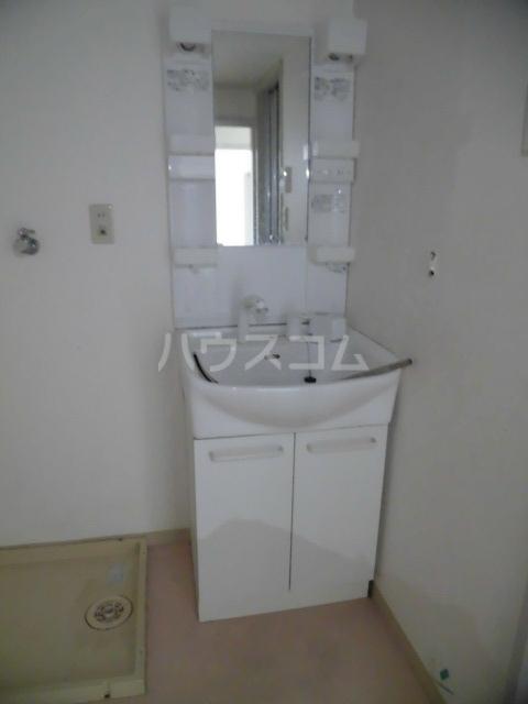 サンパレス 105号室の洗面所