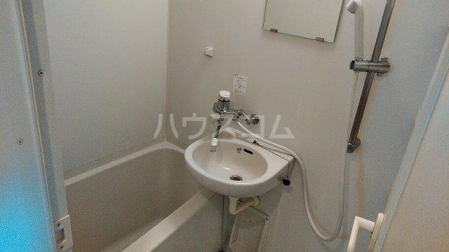 ステージファースト井荻 401号室の風呂