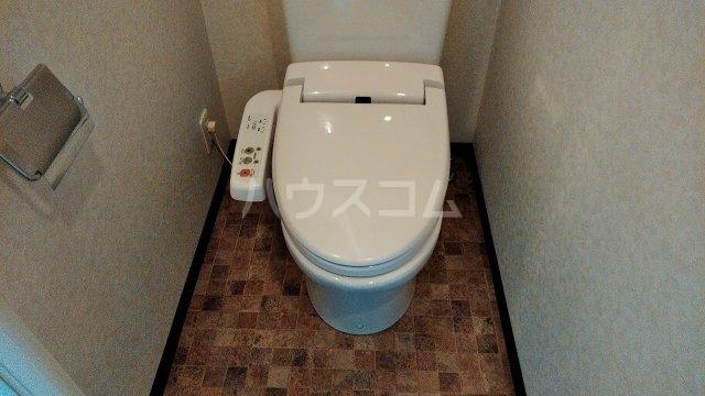 ステージファースト井荻 401号室のトイレ