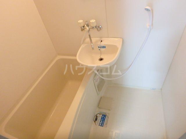 ラベンダータウン B棟 3-C号室の風呂