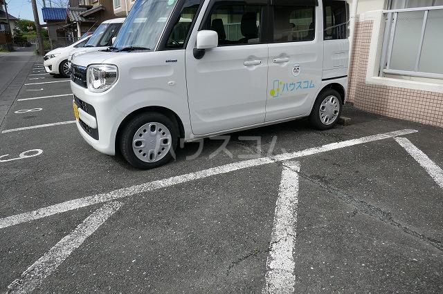 SPOON 掛川 103号室の駐車場