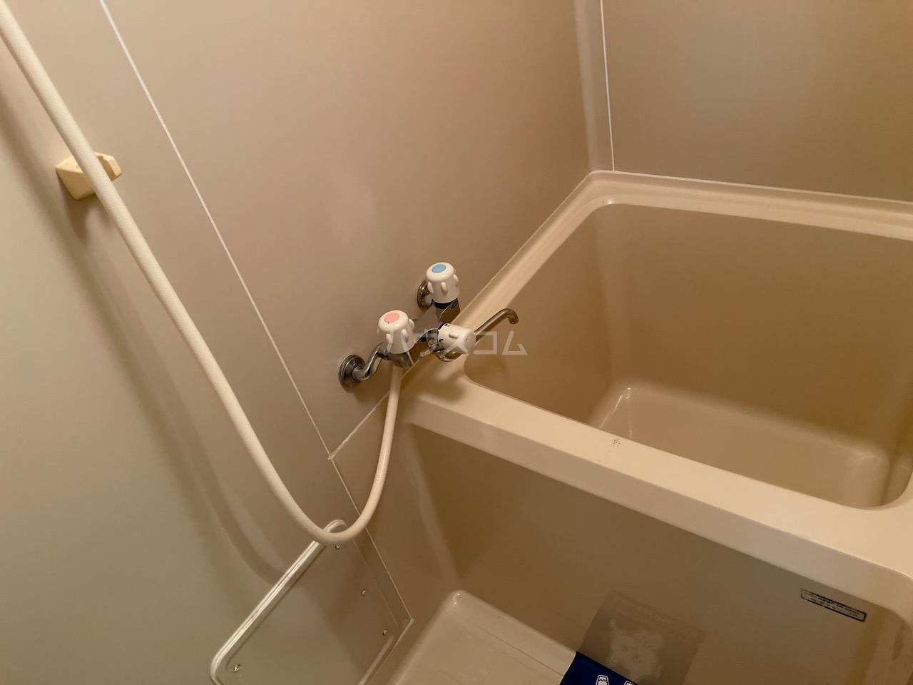 ジュビロⅡ 101号室の風呂