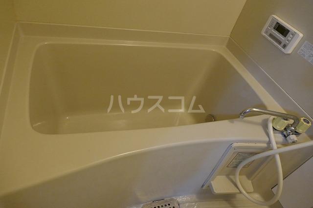 サイレンスシティ 202号室の風呂