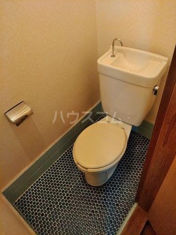 五十嵐第2ハイツ 102号室のトイレ
