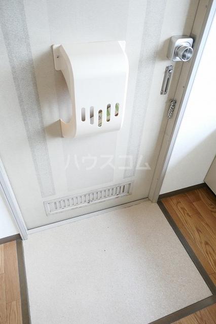 フォーブルシュフィールA 201号室の玄関