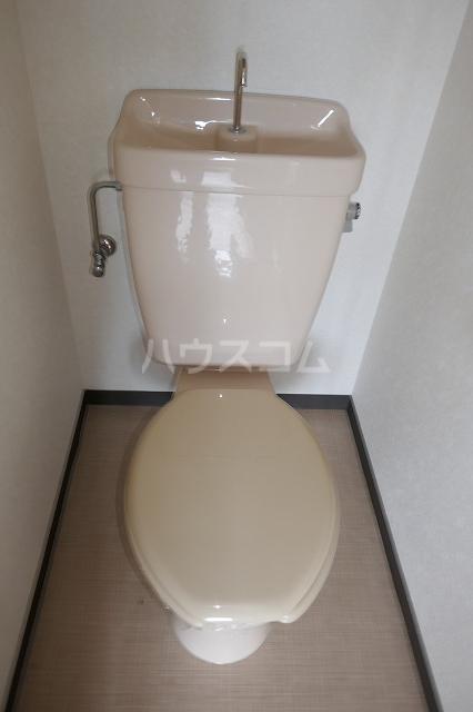 フォーブルシュフィールA 201号室のトイレ