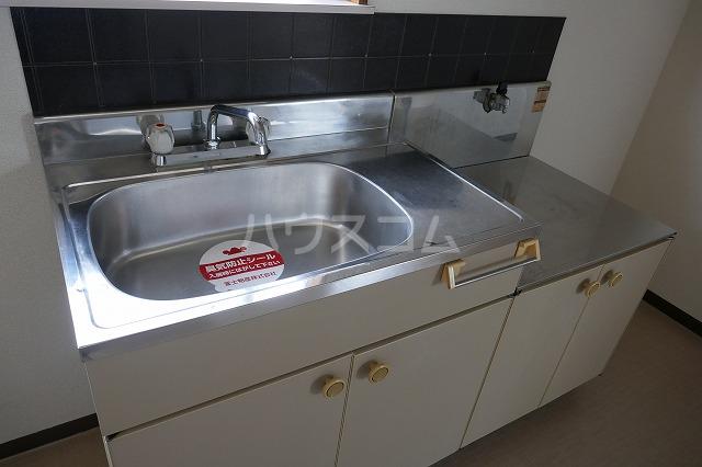 フォーブルシュフィールB 205号室のキッチン