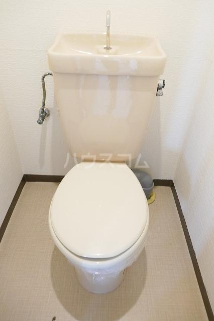 フォーブルシュフィールB 205号室のトイレ