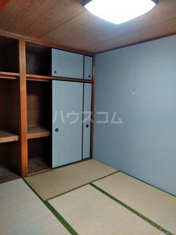 サンハイツ浦和2番館 205号室のベッドルーム