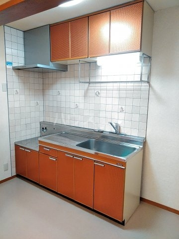 サンハイツ浦和2番館 205号室のキッチン