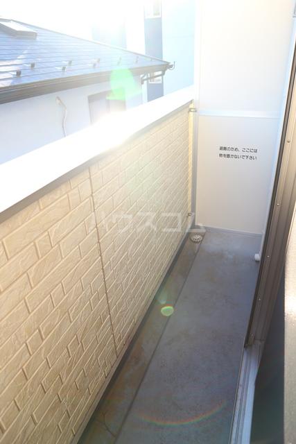 Villetta South 105号室のバルコニー