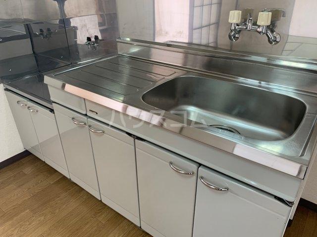アドラシオン 203号室のキッチン
