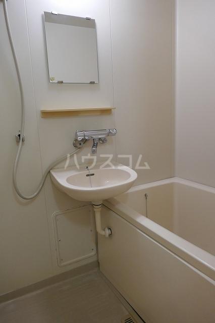 ミュゲー一番館 102号室の風呂