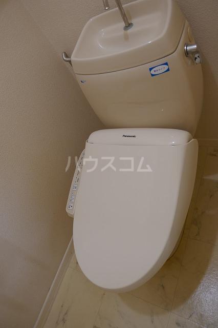 ミュゲー二番館 106号室のトイレ