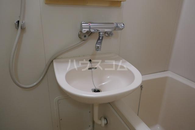 ミュゲー二番館 106号室の洗面所