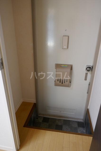 ミュゲー二番館 106号室の玄関